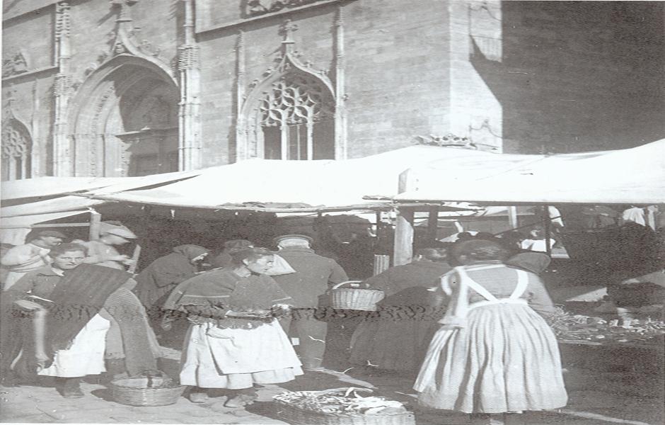 Lonja de la Seda El Mercado y la Lonja