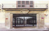 Palacio de los Condes de Oliva Puerta principal con escudo de armas 940x600
